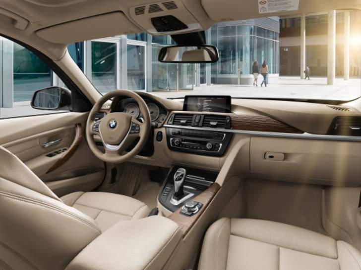 Salon BMW F30 3 Series - overview